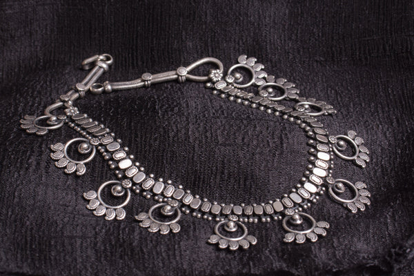20a511-silver-amrapali-beaded-necklace-embossed-geometric-designs