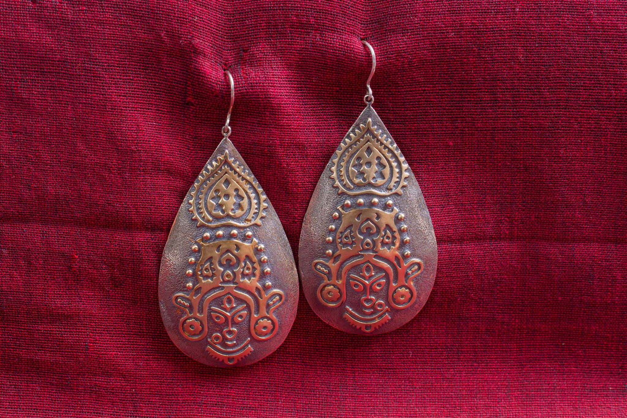 20a520-silver-gold-plated-amrapali-earrings-two-tone-raised-design-woman