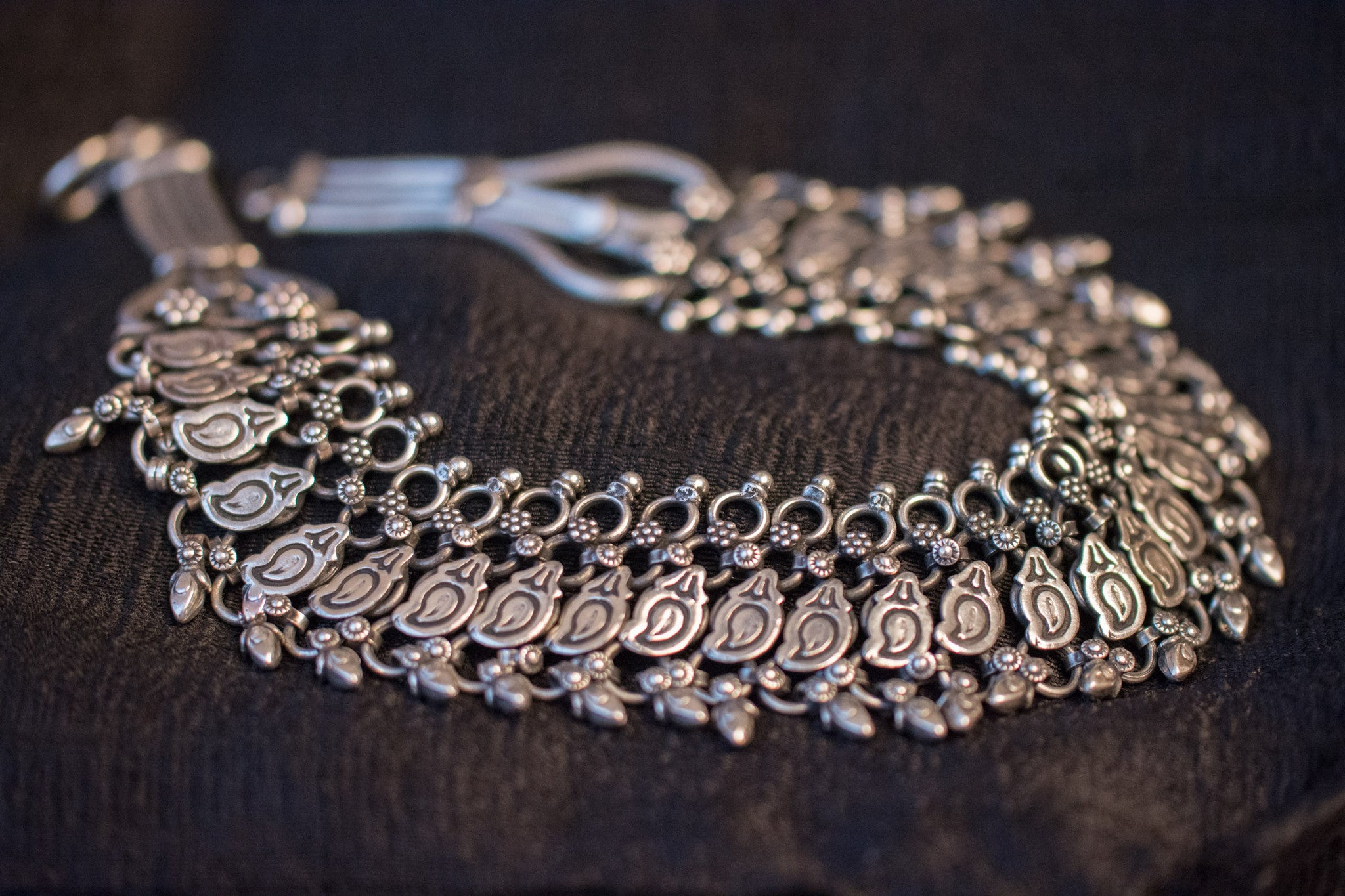 20a525-silver-amrapali-necklace-embossed-bead-work-geometric-shapes-floral-alternate-view