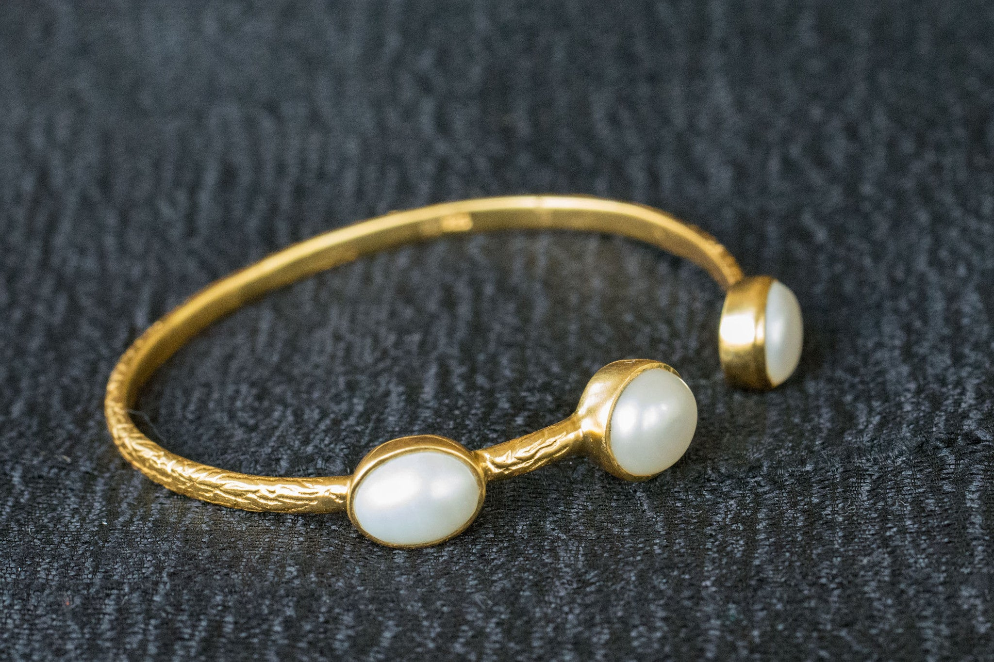 20a538-silver-gold-plated-amrapali-bangle-pearl