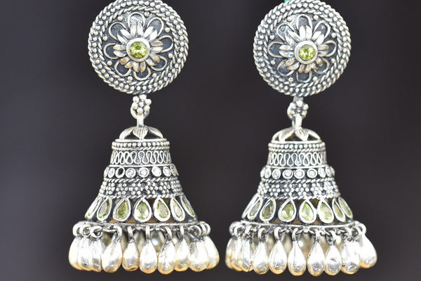 20a567-silver-pearl-peridot-amrapali-earrings-A