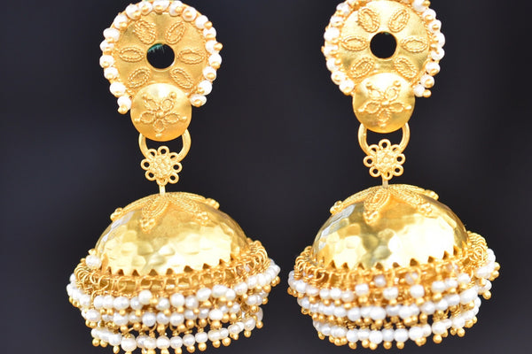 20a626-silver-gold-plated-floral-pearl-jhumka-earrings-b