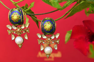 Buy silver gold plated Amrapali glass and enamel earrings online from Pure Elegance. Our Indian fashion store in USA brings alluring range of silver earrings in USA.-closeup