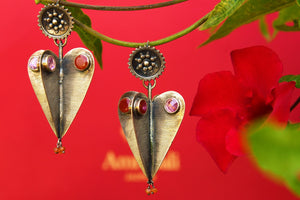 Buy silver Amrapali earrings online from Pure Elegance with carnelian stone. Our Indian fashion store in USA brings alluring range of ethnic silver earrings in USA.-closeup