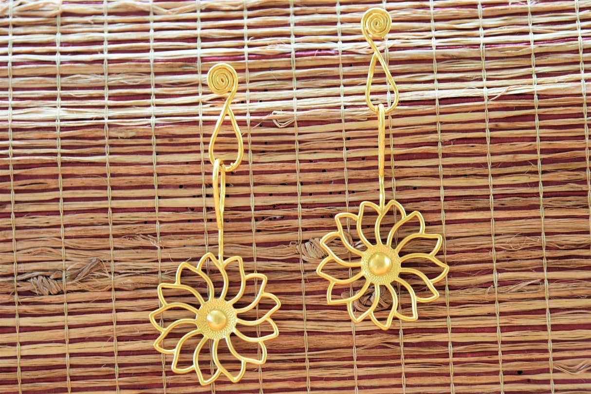 20A807 Simple Floral Earring