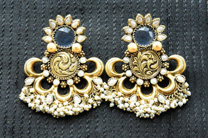 20A812 Royal Glass & Pearl Amrapali Earrings