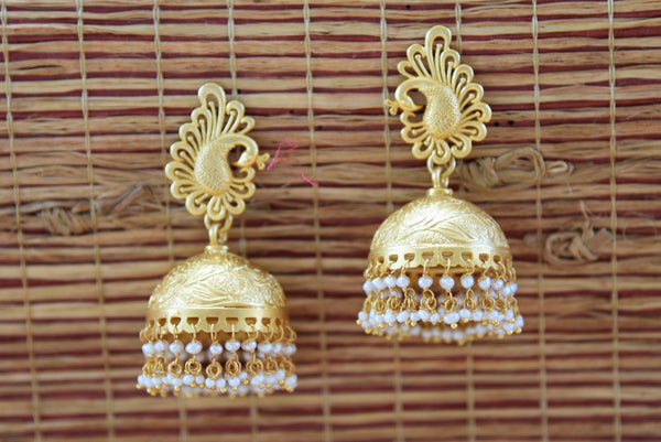 20A815 Traditional Silver Gold Plated Earrings With Pearl
