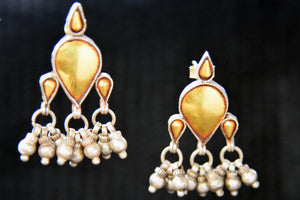 20A827 Drop Shaped Silver Gold Plated Earrings With Pearls