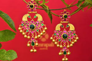 Buy silver gold plated Amrapali glass earrings online from Pure Elegance. Our Indian fashion store in USA brings exquisite range of silver gold plated jewelry in USA.-closeup