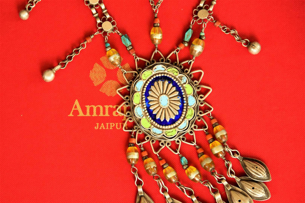 Buy silver enamel Amrapali necklace online in USA from Pure Elegance. Shop your favorite Indian silver necklaces in exquisite designs at our store in USA for various occasions.-closeup