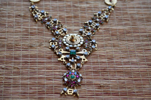 20B014, The traditional Indian amrapali fashion jewelry necklace from Pure Elegance can be bought online or from our store in USA. Perfect for any wedding and reception. Top View.