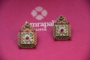 Shop this traditional Indian green and silver gold plated glass amrapali earrings from Pure Elegance online or from our store in USA. Perfect for any wedding, reception or sangeet. Earrings.