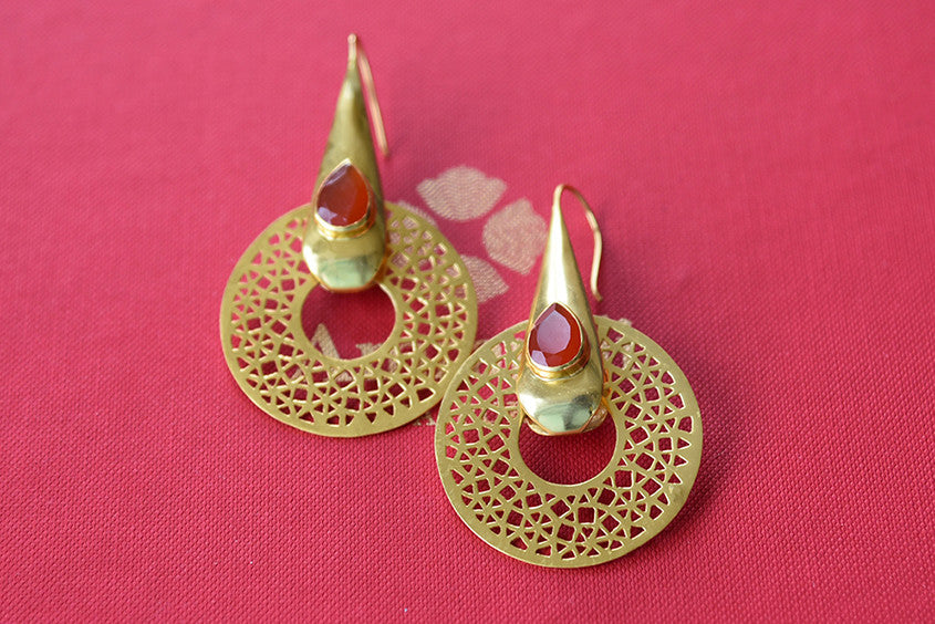 Designer Indian amrapali earrings with carnelian and onyx stone. Jaaldar design fish hook back fashion earring-full view
