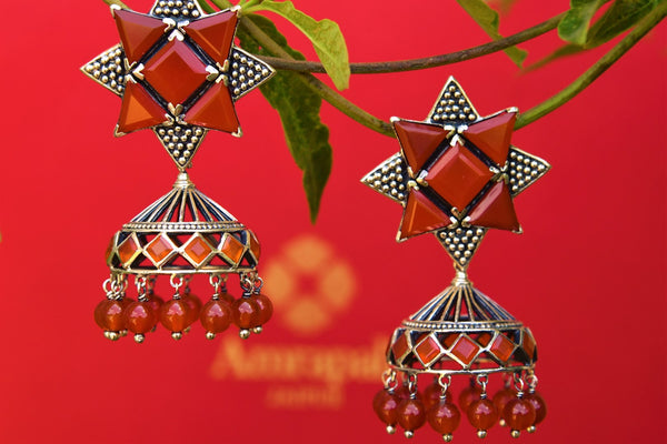 Buy silver Amrapali carnelian jhumka earrings online from Pure Elegance. Our fashion store brings an alluring range of Indian jewelry earrings in USA for women.-closeup