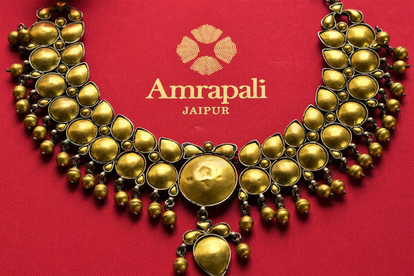 Buy ethnic silver gold plated Amrapali necklace online in USA. Pure Elegance fashion store brings an exquisite range of Indian fashion jewelry in USA. Shop online.-closeup