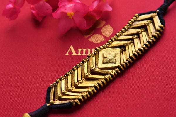 Buy ethnic silver gold plated Amrapali thread bracelet online in USA. Pure Elegance fashion store brings an exquisite range of Indian fashion jewelry in USA. Shop online.-closeup
