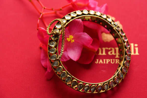 Buy silver gold plated Amrapali glass bangle online in USA. Pure Elegance fashion store brings an exquisite range of Indian wedding jewellery in USA. Shop online.-closeup