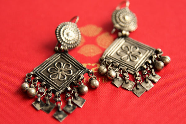 Buy oxidized silver Amrapali earrings online in USA. Pure Elegance fashion store brings an alluring range of Indian silver jewelry in USA for women. Shop online.-closeup