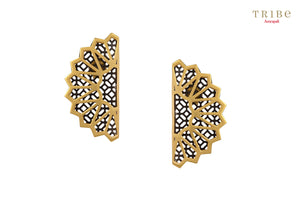 20B553-NI Silver Gold Plated Dual Tone Fan Motif Earrings