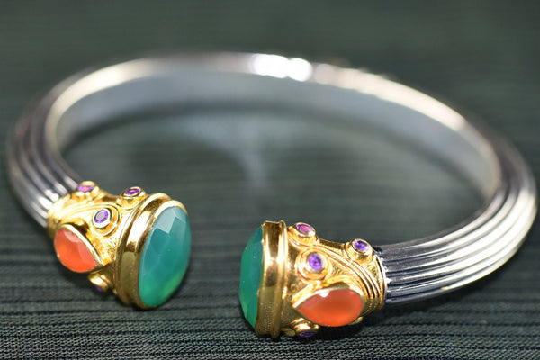 20a649-two-tone-amrapali-bangle-with-emerald-stone-b