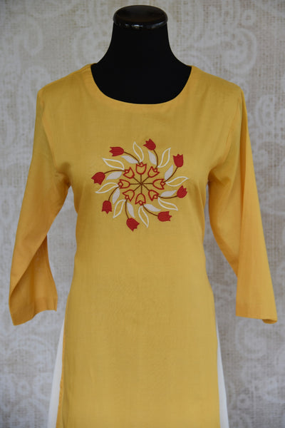 Buy the malmal cotton ethnic Indian dress from Pure Elegance online or from our store near NYC. Long sleeved dress ideal for any wedding party or reception party. Close up.