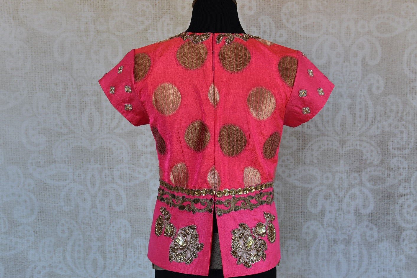 Shop this traditional Indian pink embroidered banarasi blouse from Pure Elegance online or from our store in Edison near NJ. Ideal for any wedding or sangeet. Top View.