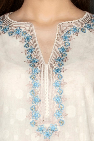 Buy elegant white embroidered palazzo suit online in USA with matching dupatta. Flaunt ethnic fashion on weddings and festive occasions with latest designer lehengas, Indian dresses, traditional Anarkali suits from Pure Elegance Indian clothing store in USA.-blouse