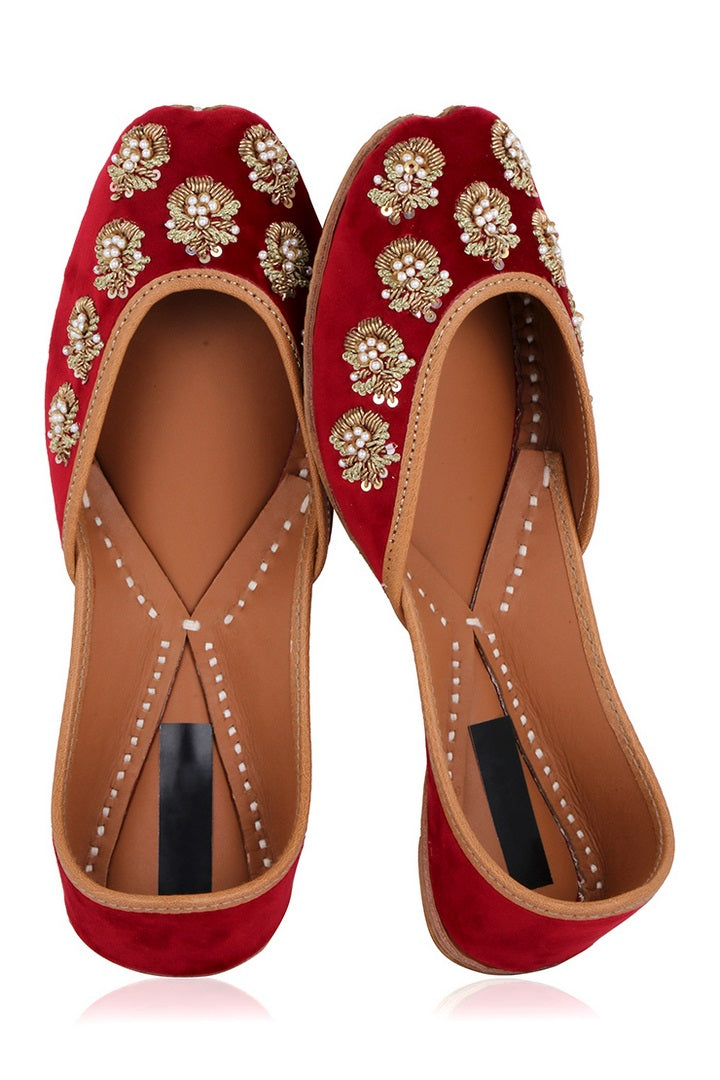 Shop red hand embroidered zardozi velvet jutti online in USA. Grab beautiful designer footwear and ethnic juttis in USA from Pure Elegance Indian fashion store in USA. Enhance your ethnic attires with exquisite accessories available on our online store.-full view