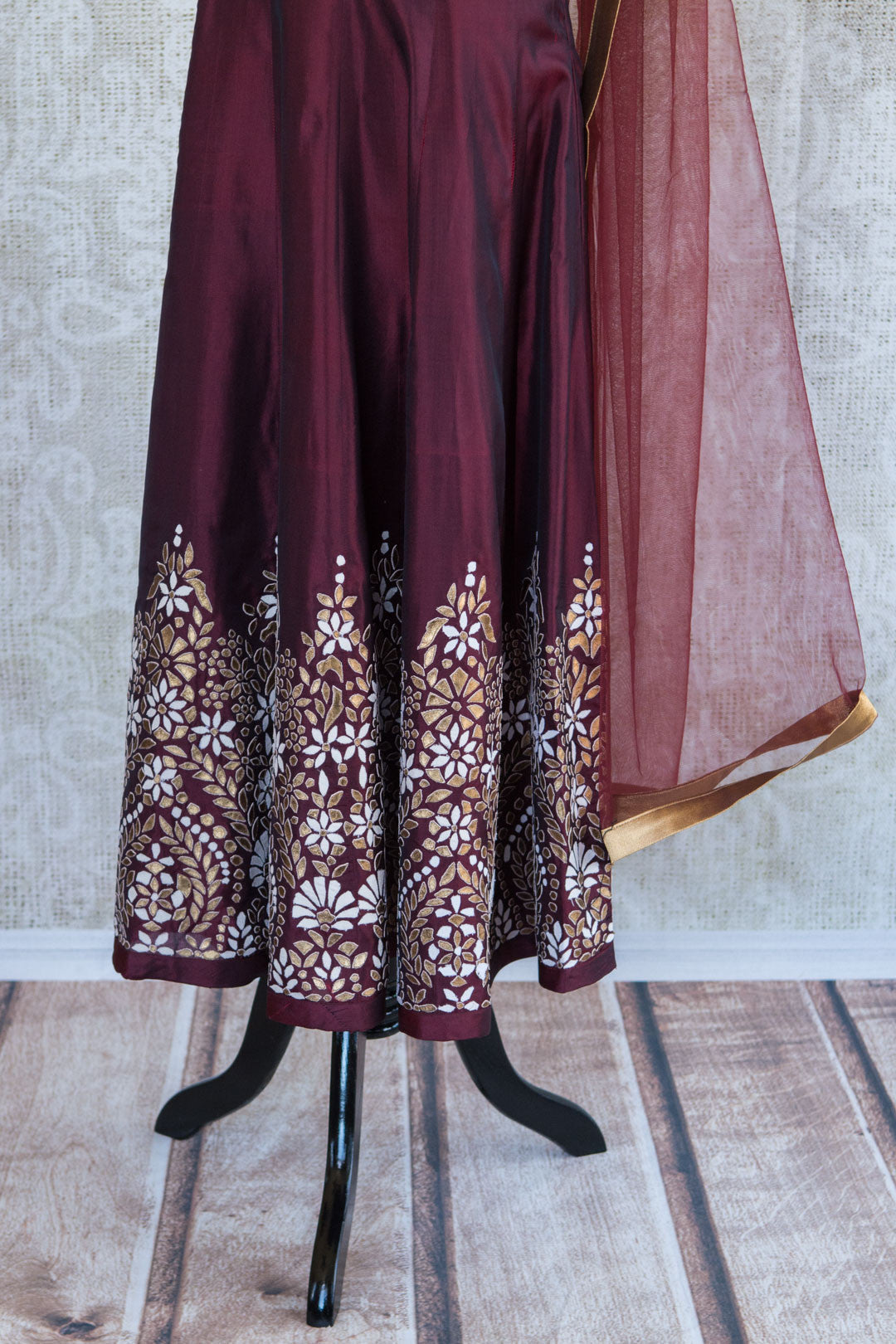 501085-suit-sleeveless-maroon-gold-embroidery-scarf-skirt-view