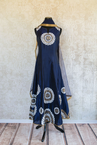 501087-suit-sleeveless-dark-blue-white-gold-circles-embroidered-scarf