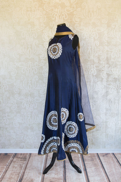 501087-suit-sleeveless-dark-blue-white-gold-circles-embroidered-scarf-alternate-view-2