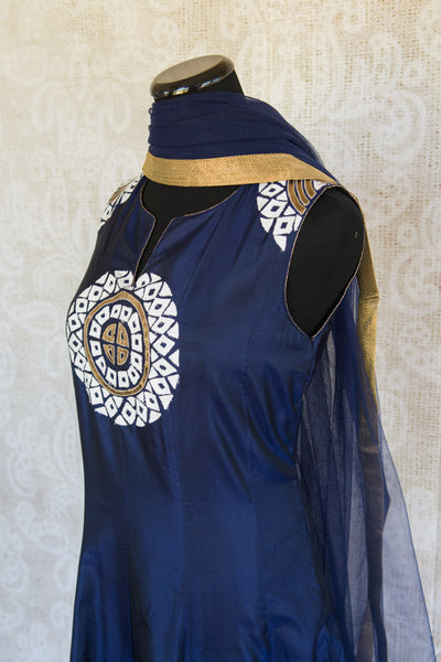 501087-suit-sleeveless-dark-blue-white-gold-circles-embroidered-scarf-alternate-view-3