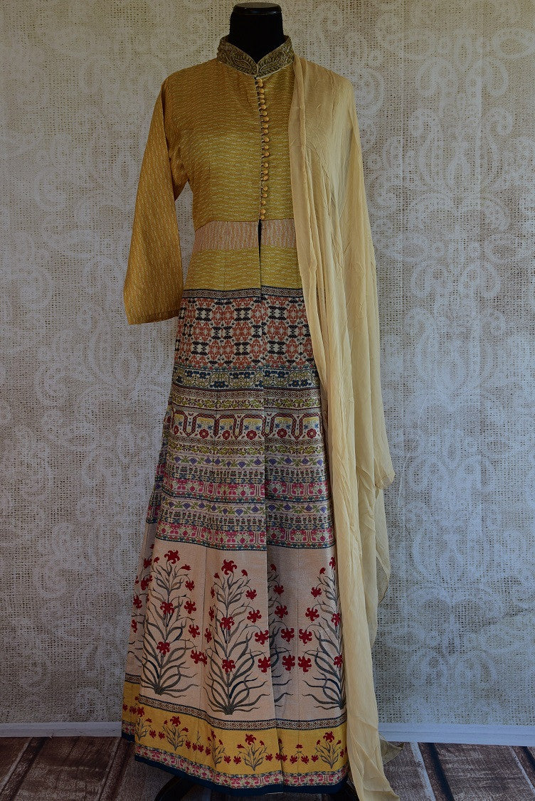 501338, Buy this ethnic Indian traditional mehendi suit from Pure Elegance online or from our store in USA. Perfect for any wedding, reception, engagement or sangeet. Front View.