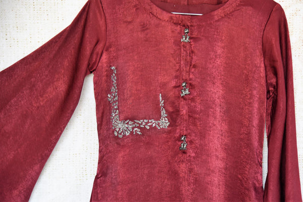 Buy maroon satin silk kurta online in USA. Make a dazzling fashion statement with Indian dresses at Pure Elegance Indian clothing store in USA for women. Shop now.-details