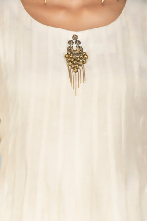 Shop elegant cream tissue chanderi palazzo suit online in USA with dupatta. Be an epitome of Indian fashion with a premium range of designer suits, Anarkali dresses from Pure Elegance luxury Indian fashion store in USA. Buy online now.-closeup