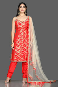 Buy bright red embroidered Banarasi kurta online in USA with crepe pants. Flaunt ethnic fashion with exquisite designer lehenga, Indian wedding dresses, Anarkali suits from Pure Elegance Indian fashion boutique in USA.-full view