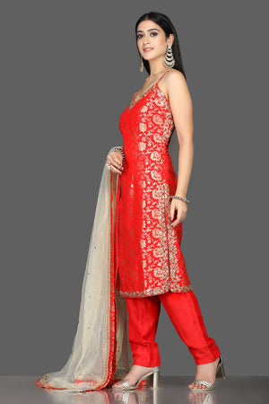 Buy bright red embroidered Banarasi kurta online in USA with crepe pants. Flaunt ethnic fashion with exquisite designer lehenga, Indian wedding dresses, Anarkali suits from Pure Elegance Indian fashion boutique in USA.-side