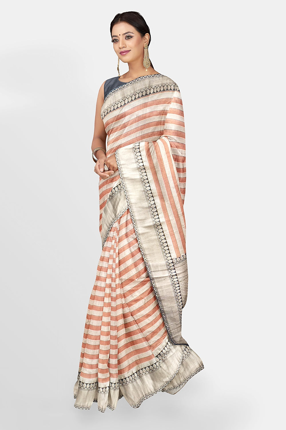 Shop beautiful orange and cream silk cotton Banarasi saree online in USA with zari border. Make a fashion statement at weddings with stunning designer sarees, embroidered sarees with blouse, wedding sarees, handloom sarees from Pure Elegance Indian fashion store in USA.-full view