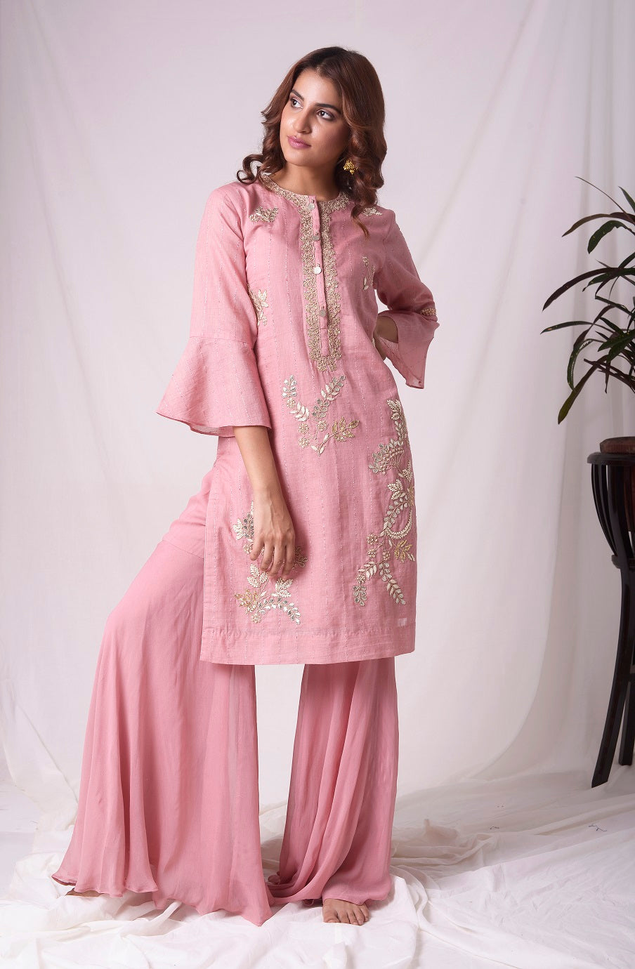 Buy dusty pink chanderi suit online in USA. Be the talk of parties and weddings with exquisite designer gowns, Indian suits, Anarkali dresses, Indo-western dresses from Pure Elegance Indian clothing store in USA .Shop online now.-full view