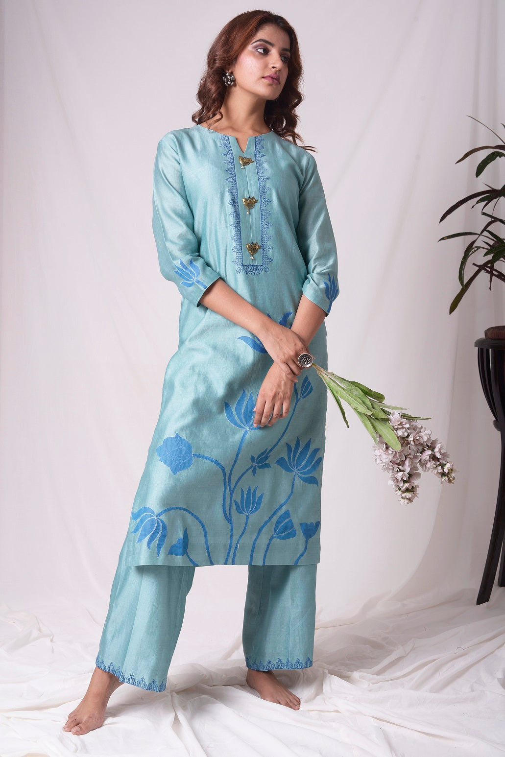 Buy aqua blue chanderi suit online in USA. Be the talk of parties and weddings with exquisite designer gowns, sharara suits, Anarkali suits, salwar suits from Pure Elegance Indian clothing store in USA. Shop online now.-full view-2
