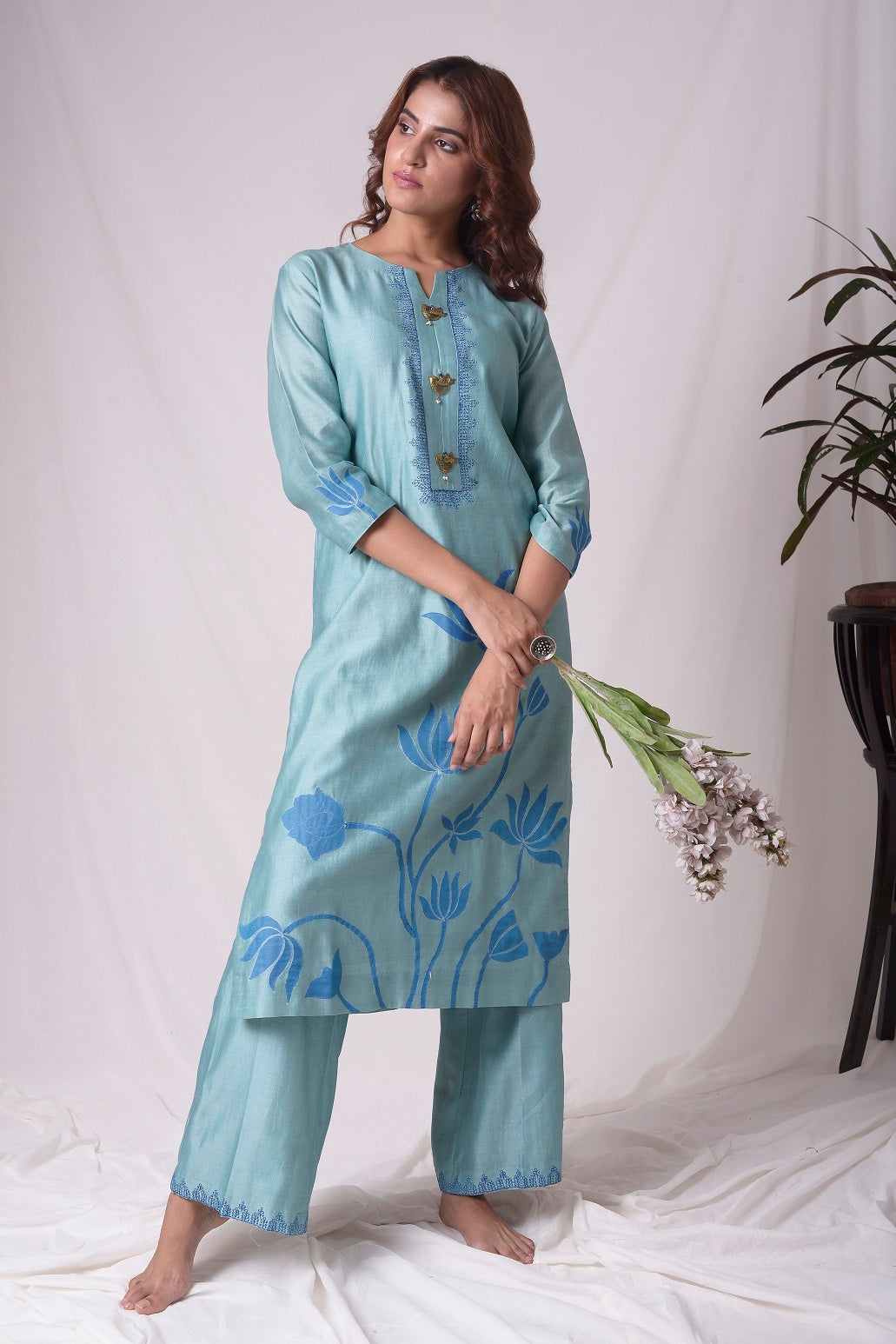 Buy aqua blue chanderi suit online in USA. Be the talk of parties and weddings with exquisite designer gowns, sharara suits, Anarkali suits, salwar suits from Pure Elegance Indian clothing store in USA. Shop online now.-full view-4