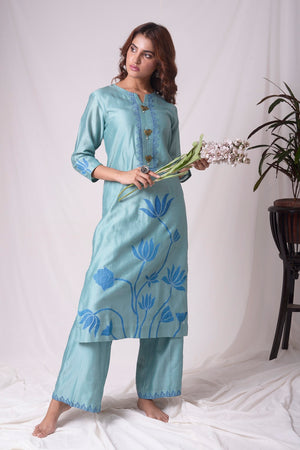 Buy aqua blue chanderi suit online in USA. Be the talk of parties and weddings with exquisite designer gowns, sharara suits, Anarkali suits, salwar suits from Pure Elegance Indian clothing store in USA. Shop online now.-5