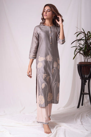 Buy elegant grey chanderi suit online in USA with organza patching. Be the talk of parties and weddings with exquisite designer dresses, sharara suits, Anarkali suits, salwar suits from Pure Elegance Indian clothing store in USA. Shop online now.-full view-2