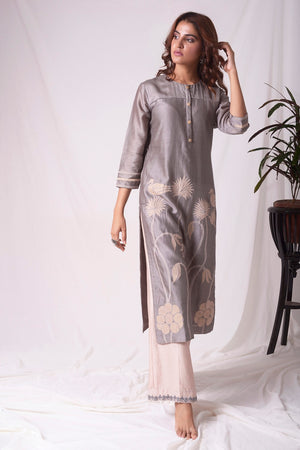 Buy elegant grey chanderi suit online in USA with organza patching. Be the talk of parties and weddings with exquisite designer dresses, sharara suits, Anarkali suits, salwar suits from Pure Elegance Indian clothing store in USA. Shop online now.-full view-3
