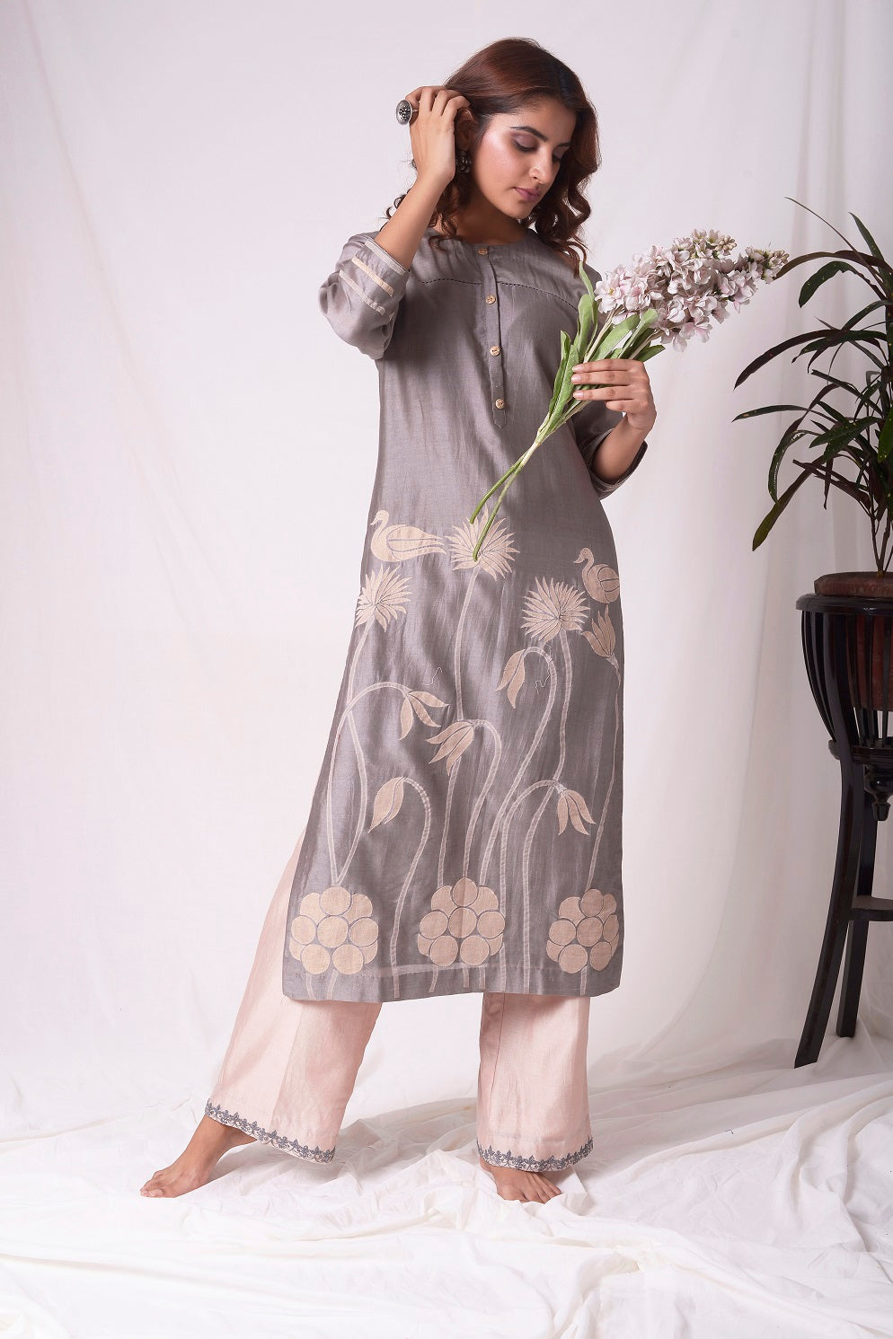 Buy elegant grey chanderi suit online in USA with organza patching. Be the talk of parties and weddings with exquisite designer dresses, sharara suits, Anarkali suits, salwar suits from Pure Elegance Indian clothing store in USA. Shop online now.-full view-4