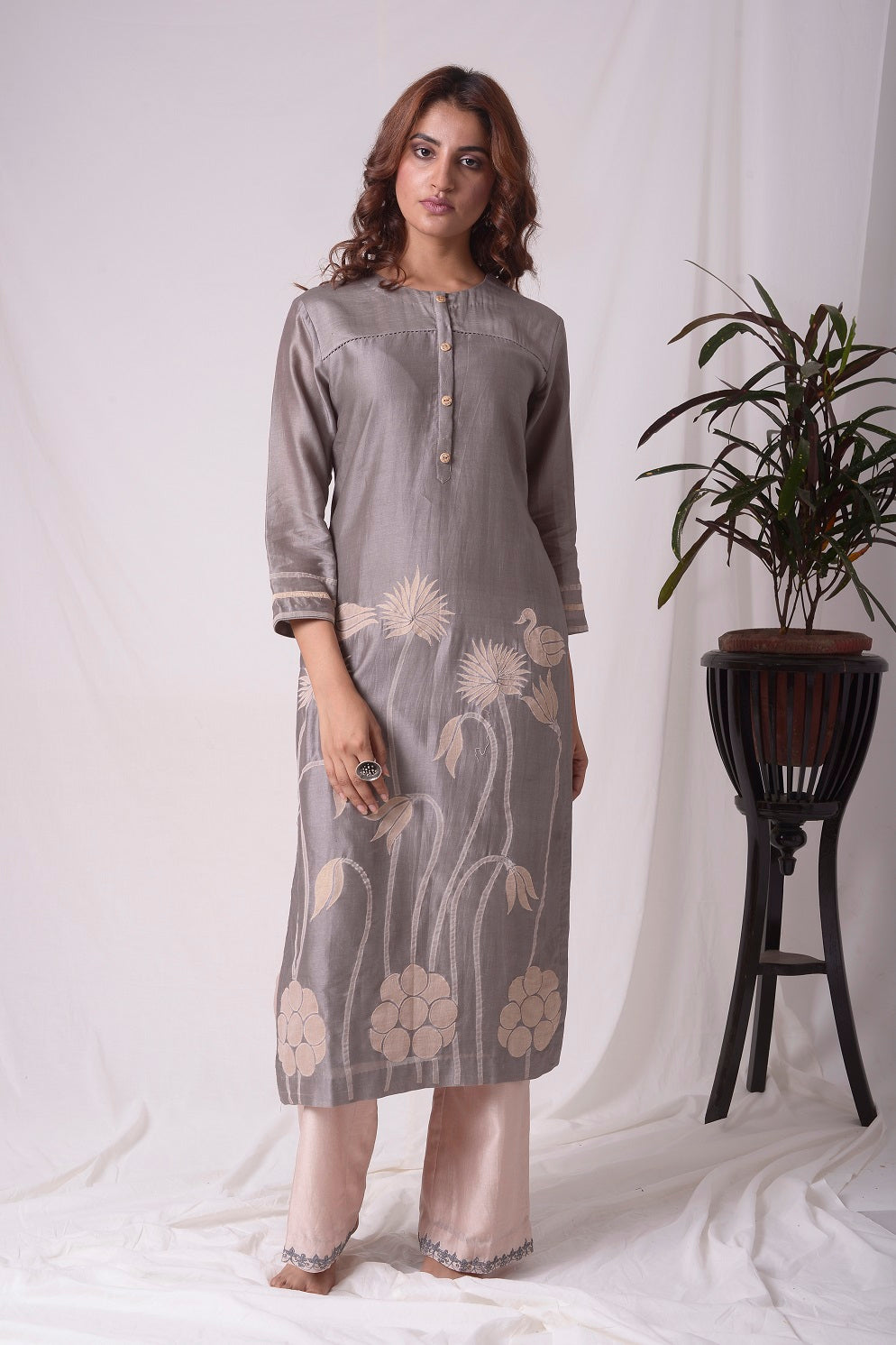 Buy elegant grey chanderi suit online in USA with organza patching. Be the talk of parties and weddings with exquisite designer dresses, sharara suits, Anarkali suits, salwar suits from Pure Elegance Indian clothing store in USA. Shop online now.-full view