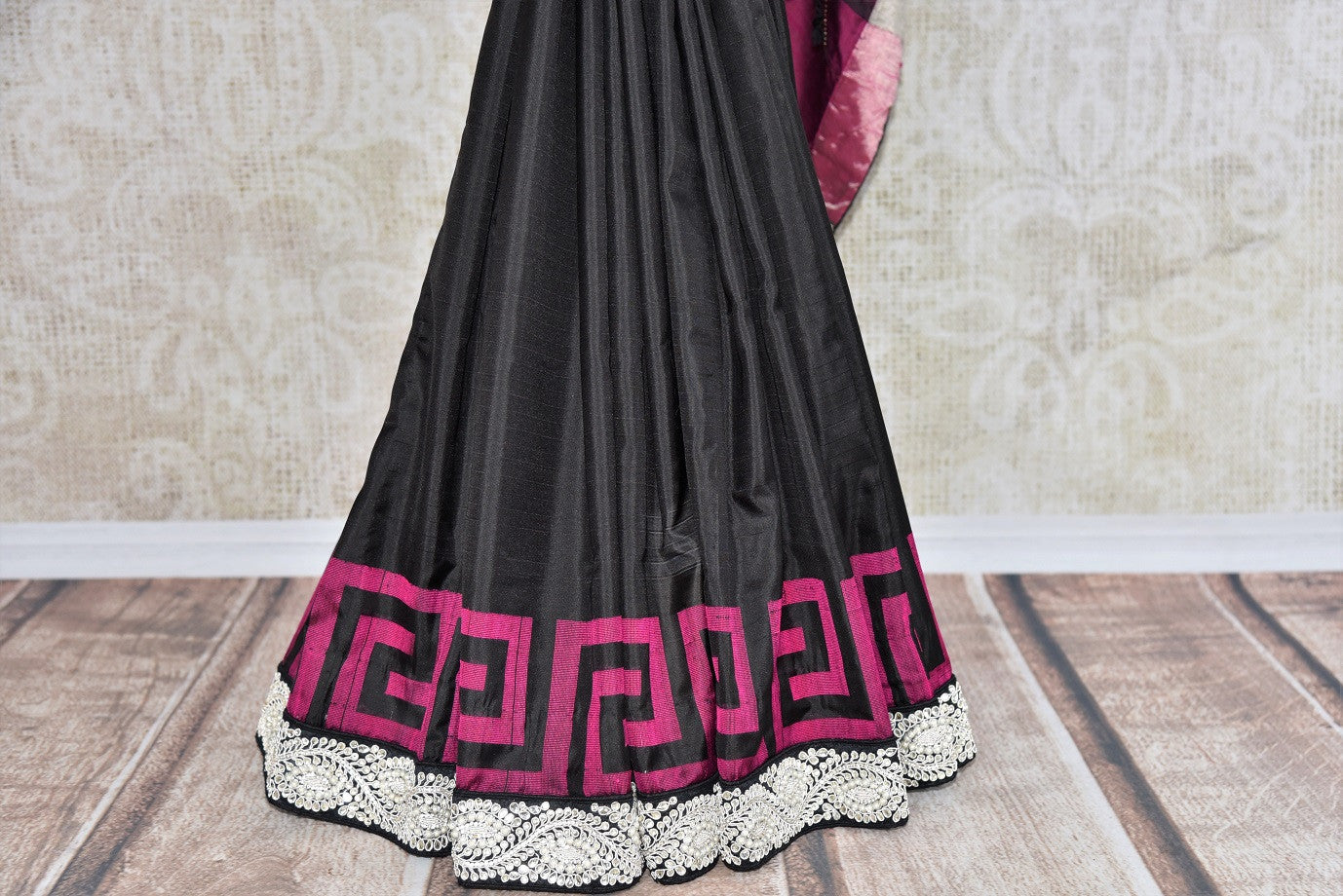 90C254 Black & pink Bangalore silk saree with a bold jewel trim. This traditional saree with elements of modern design is ideal for Indian wedding functions like sangeet and reception & parties. Buy this beautiful saree at Pure Elegance - our ethnic fashion store online in USA.
