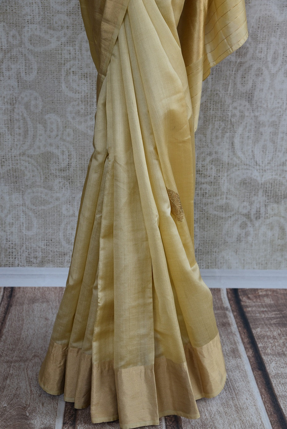 90C706 Off White Silk Benarasi Saree