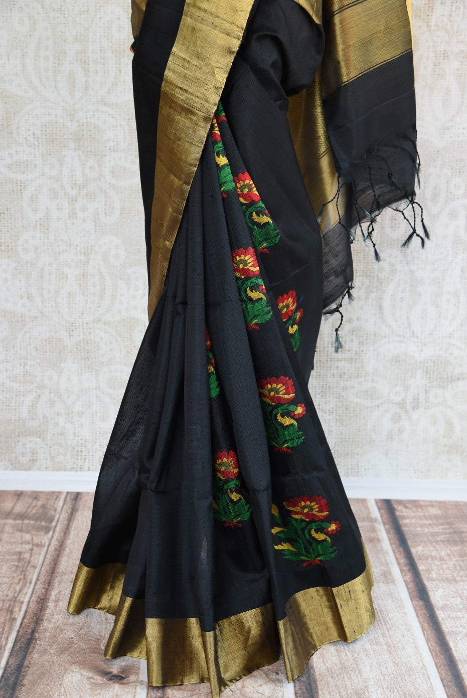 90C726 Black Kanjivaram Saree With Floral Motifs