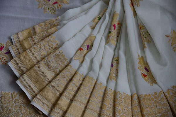 90C776 Traditional White & Gold Benarasi Saree